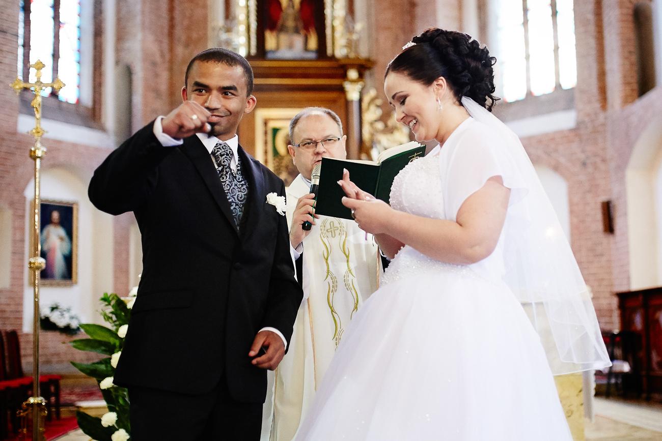 ślub Weroniki i Diego w Darłowie