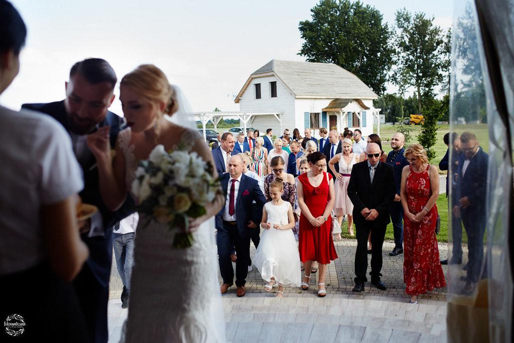 fotografia ślubna Grudziądz - Hotel Przystań - Kikół - sala weselna - goście weselni