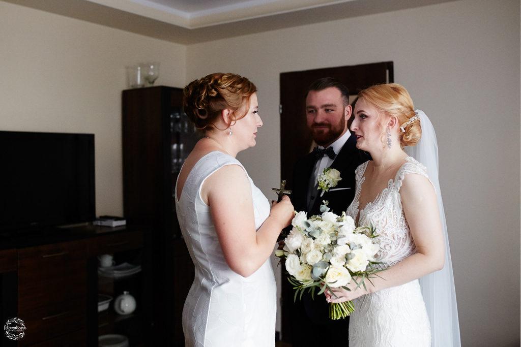 fotografia ślubna Grudziądz - błogosławieństwo